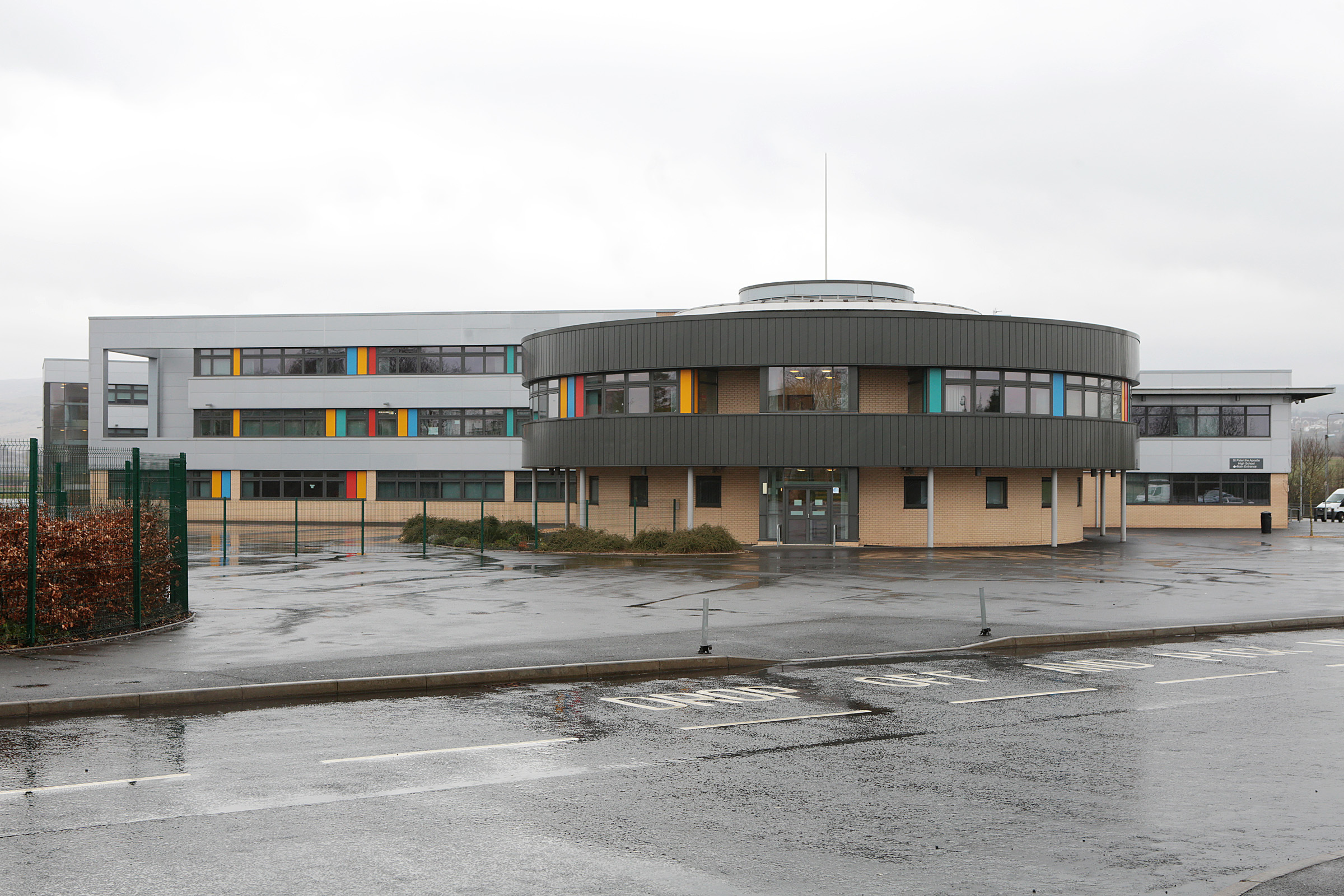 Fewer Clydebank children leave area schools and go on to 'positive destinations'