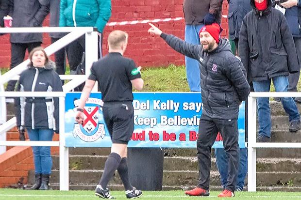 Bankies gaffer Gordon Moffat. Photo: Stevie Doogan