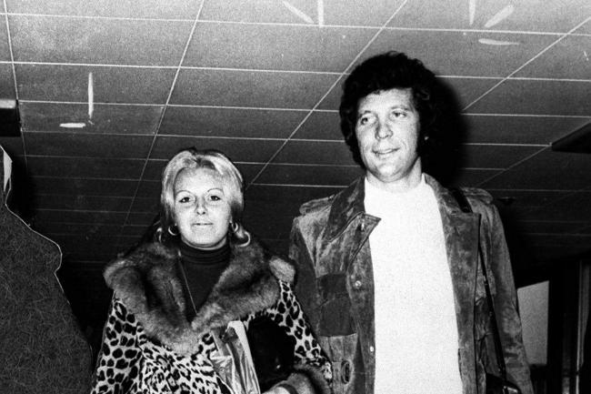 Sir Tom Jones with his wife Linda (PA)