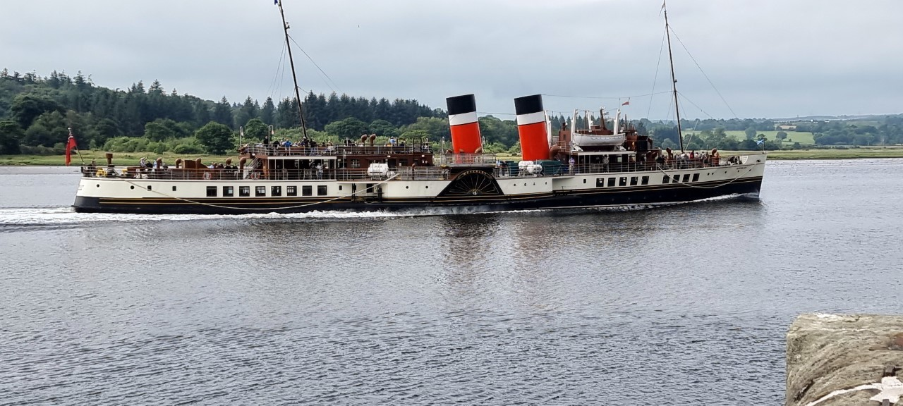 Picture of the Week: PS Waverley in full steam past Bowling