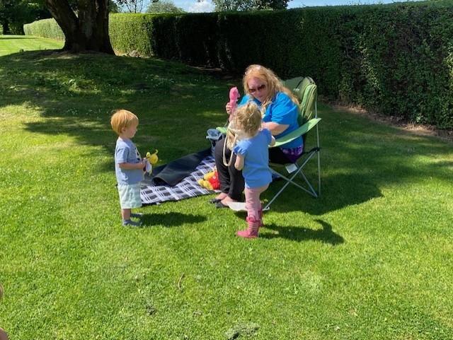 Dalmuir Bookbug children enjoy session in the park