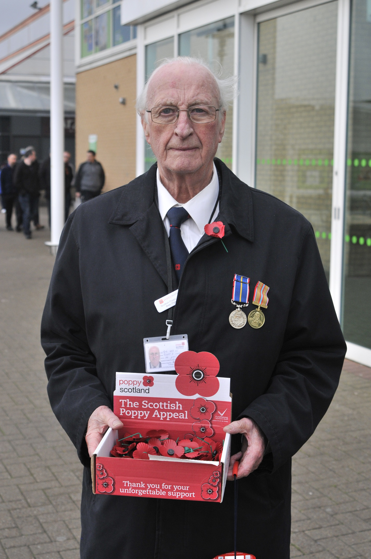 Poppy seller Robert Laidlaw meets his 26-year 'duty' in Clydebank