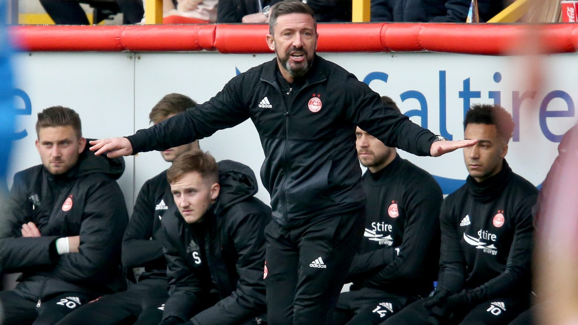 Derek McInnes has decided to stay at Aberdeen after rejecting Rangers