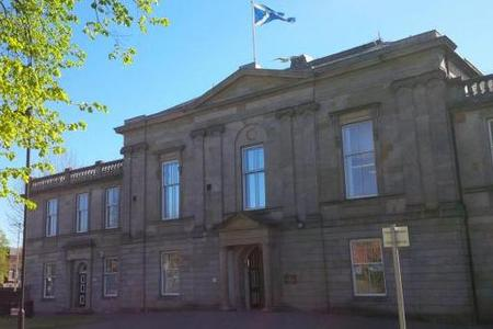 Cig flick Duntocher man avoids jail