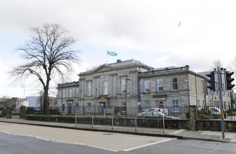 Faifley man threatened to stab four teens
