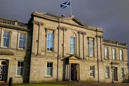 Clydebank man who assaulted boy, 5, given community payback order