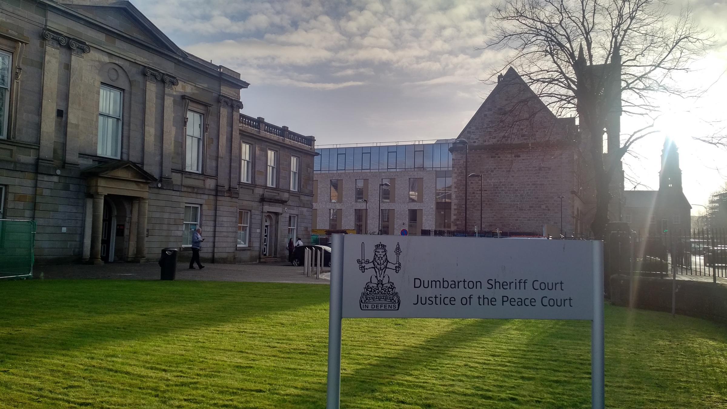 Clydebank crime: Drumchapel blade man Craig Burns in Duntocher 'slash' threat